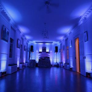 12-piece-LED-uplighting-rental-halfsize-room